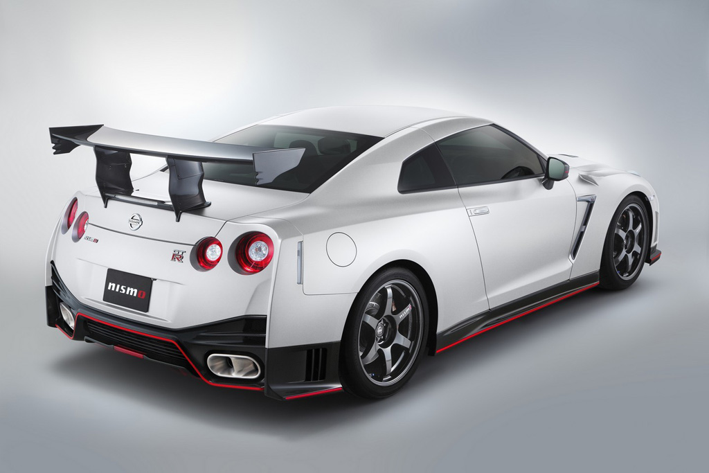 Nissan-GT-R-Nismo-N-Attack-2